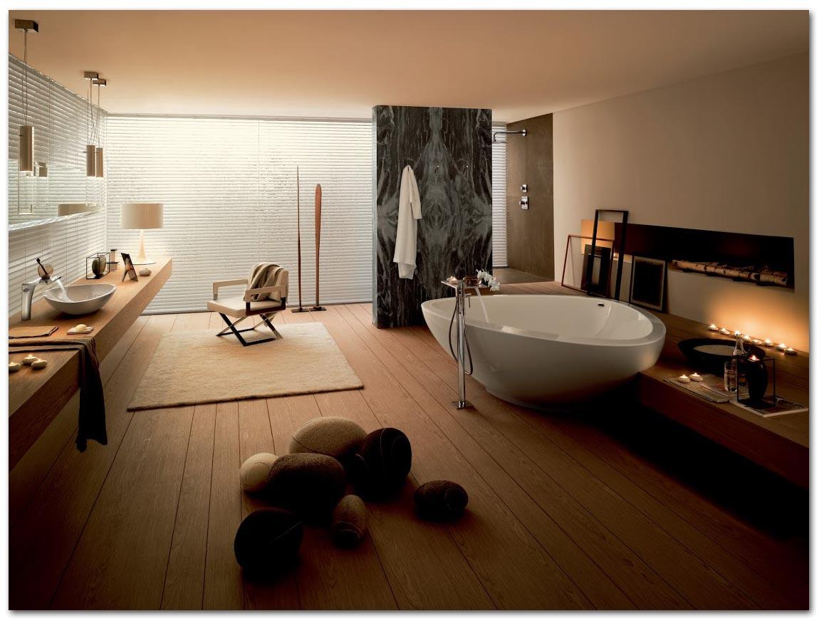 Badezimmer mit entspannender Lichtstimmung