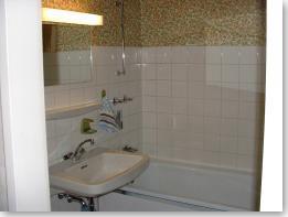 Abb 6 - Waschbecken und Wanne - vorher