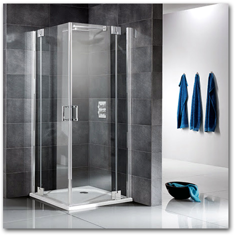 Eckeinstieg mit zwei Duschtüren